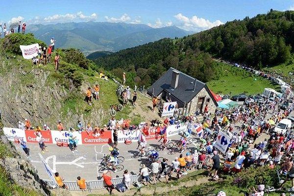 La montée du col de la Hourquette d'Ancizan.