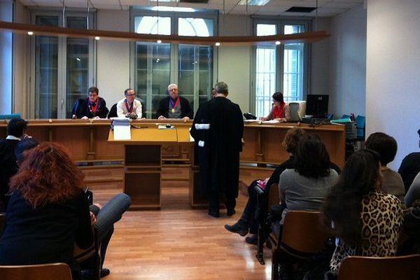 Les SFR devant le tribunal