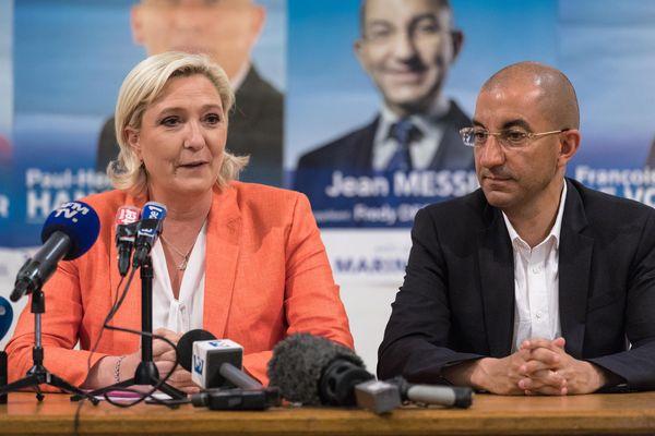 Jean Messiha s'était présenté dans la 4e circonscription de l'Aisne lors des législatives de juin 2017 (ici en campagne le 13 juin à Soissons avec Marine Le Pen).