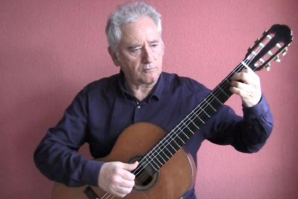 Jean-Jacques Fimbel a composé un morceau de guitare long de deux minutes pour rendre hommage aux victimes du coronavirus.