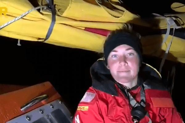 La britannique Susie Goodall, concurrente de la Golden Globe Race, à son arrivée en Tasmanie le 30 octobre 2018