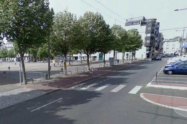 L'esplanade du Champ de Juillet, comme les contre-allées des cours Gay-Lussac et Bugeaud seront interdites au stationnement jusqu'à mardi 20 août 16 heures.