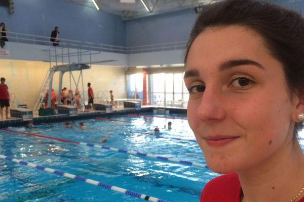 Elle entraîne les enfants de l'école de natation de l'ASPTT