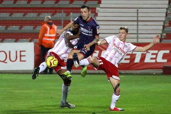 L'AC Ajaccio a été tenu en échec 0-0 face au Clermont Foot, vendredi lors de la 15e journée de Ligue 2.