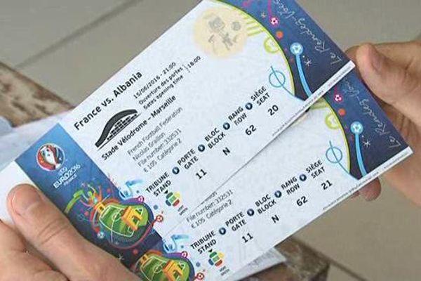 Les billets sont livrés à domicile et remis sous plis sécurisés