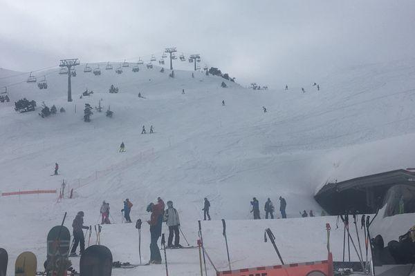 Du monde hier pour le dernier jour de ski à la Pierre St Martin