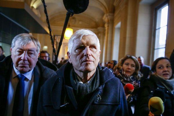 Serge Biechelin (à droite) ancien directeur de l'usine AZF lors de l'ouverture du troisième procès en janvier 2017 à Paris