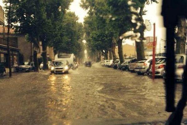 Narbonne (Aude) - ruissellements en centre ville - 12 juin 2015.