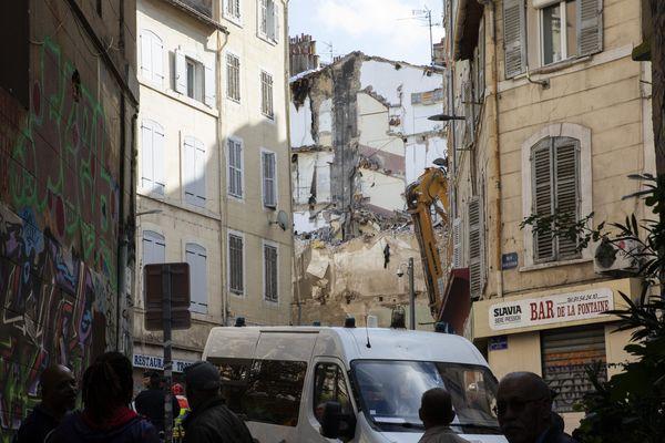 L'effondrement des immeubles, lundi 5 novembre, rue d'Aubagne à Marseille sont à l'origine du #BalanceTonTaudis