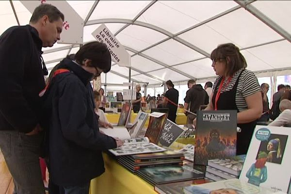 """Le salon du livre de Caen, """"Epoque"""", a accueilli plus de 20 000 visiteurs durant trois jours"""