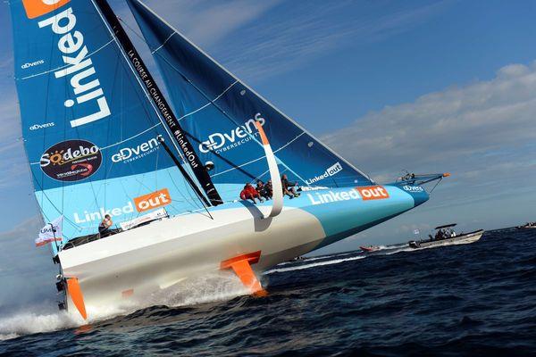 Le voilier LinkedOut barré par Thomas Ruyant, sixième au classement général de cette édition du Vendée Globe