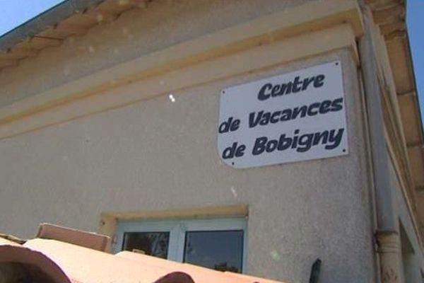 Le centre de Vacances de Bobigny, qui appartient à la municipalité, accueillait les 23 enfants venus de région parisienne. Sur le chemin du retour, l'un d'eux manque encore tragiquement à l'appel.