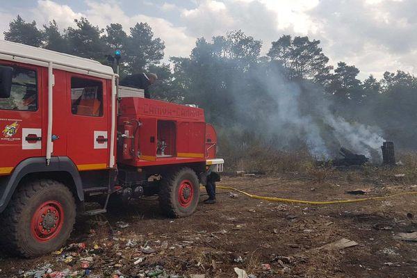 Les soldats du feu ont rapidement maîtrisé l'incendie