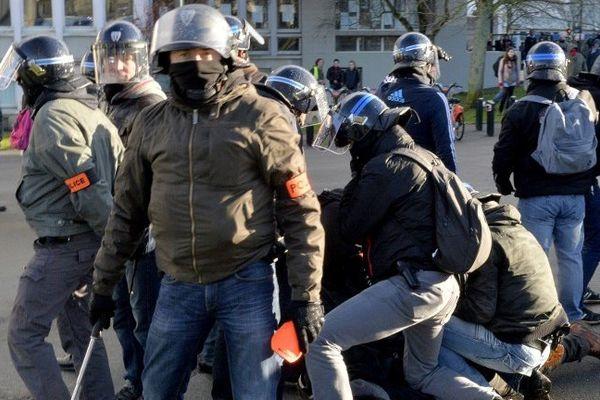 Une dizaine de personnes ont été interpellées à Nantes lors de la manifestation du 21 février 2015