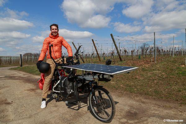 Avec son vélo électrique à propulsion solaire, Jérôme Zindy se prépare à un périple de 1.200 kilomètres réalisés dans un rayon de 100 kilomètres autour de Strasbourg.
