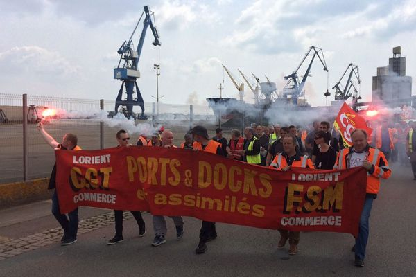 250 dockers ont défilé ce mercredi 16 mai dans les rues de Lorient