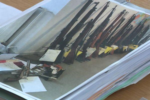 Stock d'armes conservées illégalement chez un homme qui en faisait le commerce sur internet