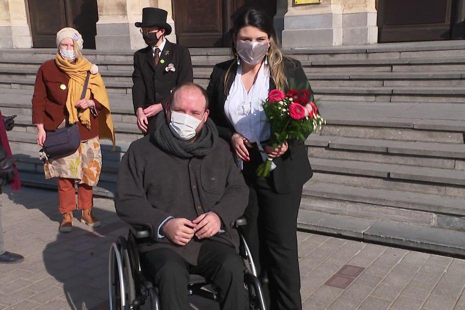 Tourcoing : un faux mariage pour dénoncer le mode de calcul de l'allocation adulte handicapé