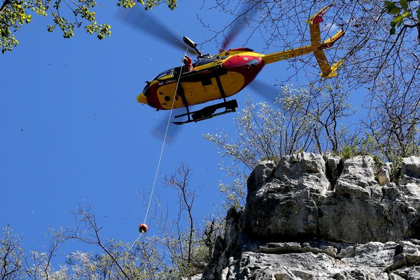 Dragon 74, l'hélicoptère de la sécurité civile de Haute-Savoie - Photo d'illustration