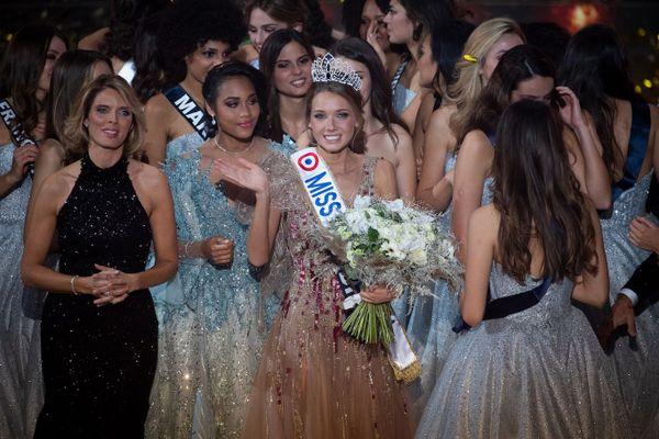 Miss Normandie Amandine Petit a été élue miss France 2021.