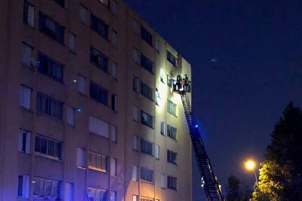 Un incendie s'est déclaré en début de soirée au bâtiment 33 de la cité Aurore à Bastia ce jeudi 3 octobre.