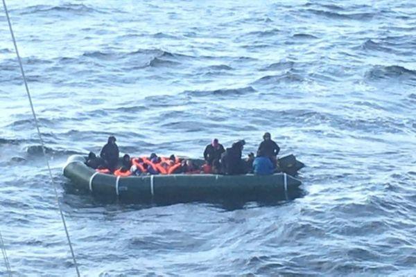 33 migrants en partance pour l'Angleterre ont été secourus au large de Dieppe