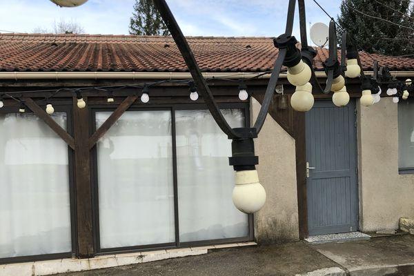 Le restaurant Le Manicet, au plus près de l'ancienne base nautique, a fermé depuis un mois et demi.