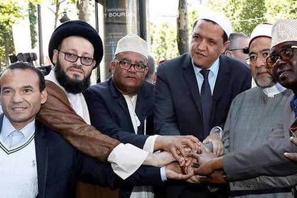 Hassen Chalghoumi est l'un des initiateurs de cette marche. Imam de Drancy, il est connu pour son rejet de l'islam intégriste.