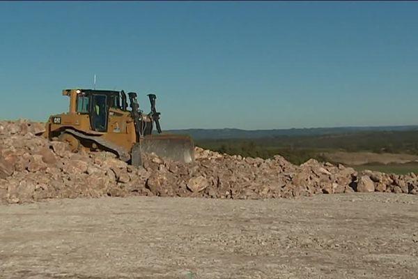 1,5 milliards de mètres cubes de gravats seront nécessaires à la réalisation du tronçon de 7,5 kilomètres.