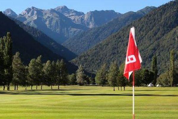 Les 42 parcours de golf de Midi-Pyrénées mettent à profit le 2ème confinement pour se préparer, dans l'espoir de la reprise prochaine de leur activité.