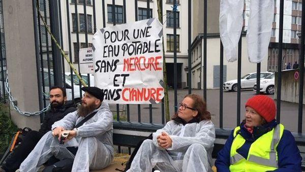Avec Stocamine, les militants dénoncent un désastre environnemental.