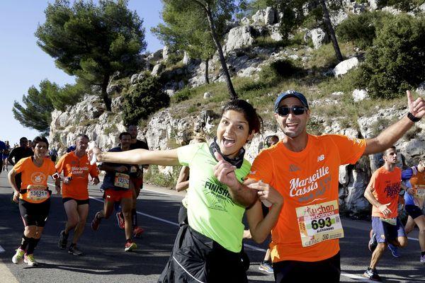 La joie de 2 coureurs du Marseille-Cassis pour l'édition 2016
