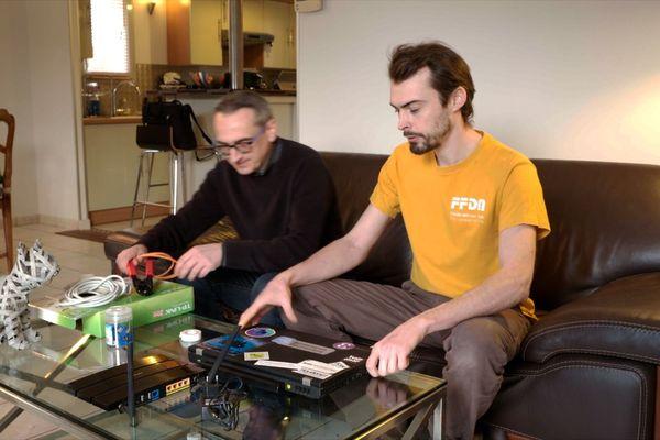 Philippe Dallier et Sébastien Bazaud, tous deux membres de l'association Touraine Data Network (TDN)