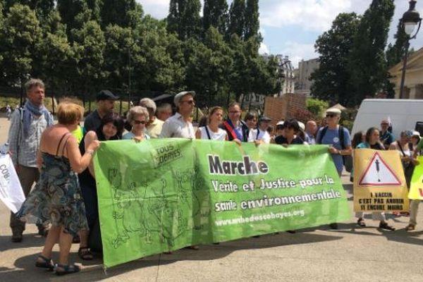 La marche des cobayes est arrivée à Paris.