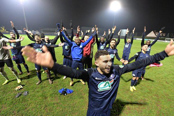 La joie des joueurs Loirétains samedi 4 janvier 2020. Toulouse est au plus mal : le TFC a été piteusement éliminé en 32es de finale de la Coupe de France par les amateurs de Saint-Pryvé Saint-Hilaire (1-0), club de National 2 (4e division).