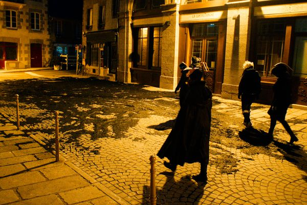 Dans la nuit, ils ont bravé le couvre-feu