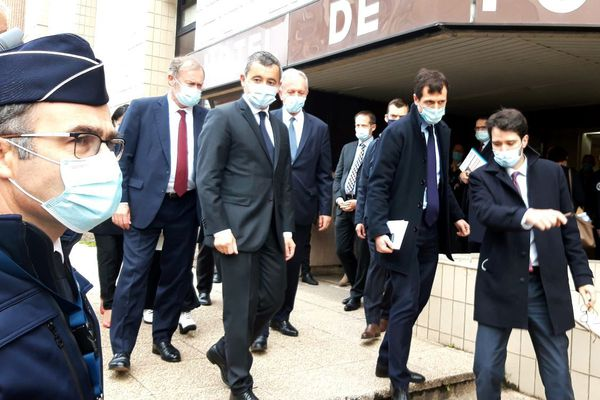 Le ministre de l'Intérieur s'est rendu au commissariat de Cergy ce matin.