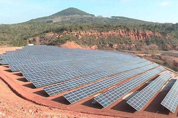 Un parc photovoltaïque à Bédarieux, dans l'Hérault - février 2018