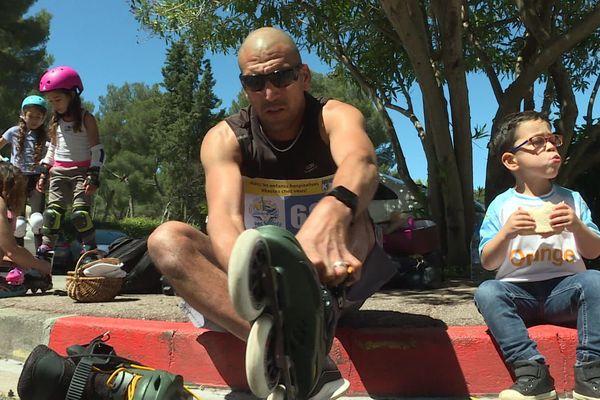 Kévin Quintin a fait 42 km autour de son parking à roller