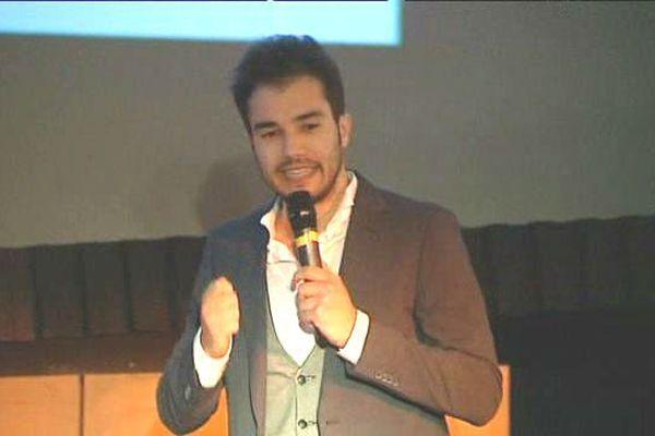"""Julien Vaiarelli, étudiant en droit privé, a remporté la finale départementale de """"Ma thèse en 180 secondes"""""""