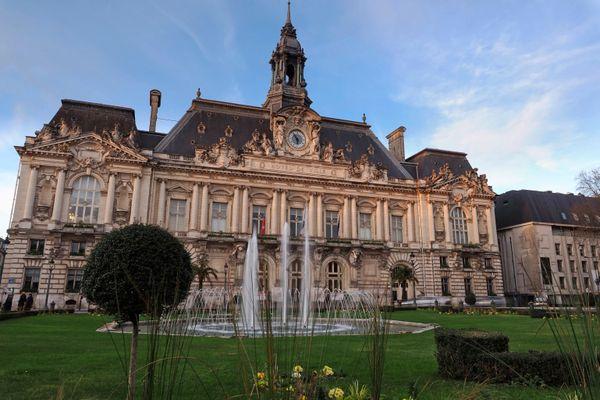Hôtel de ville de Tours (Indre-et-Loire).