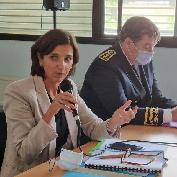 Nathalie Elimas au côté de François Ravier, le préfet de Haute-Corse