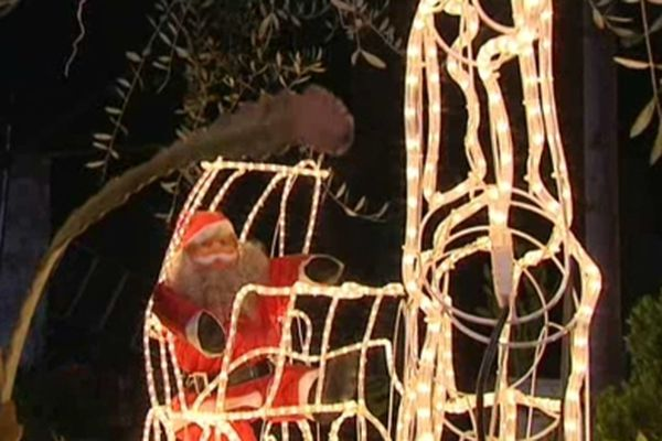 Place Méjane à Garbejaïre et au Village de Valbonne -  Jusqu'au 24 décembre Animations pour enfants, exposition, spectacle...  Plus d'infos sur : http://bit.ly/UTFooT