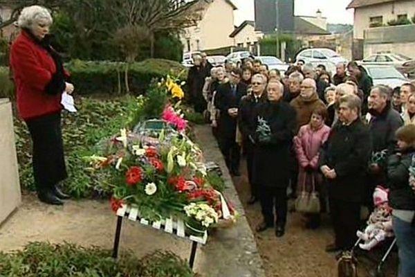 Une cérémonie sera célébrée en hommage aux 11 victimes de la catastrophe du 145 avenue Eiffel survenue le 4 décembre 1999 (archives du 5 décembre 2009)