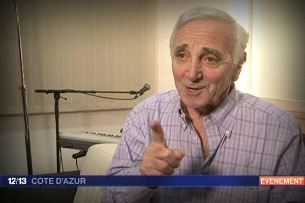 Charles Aznavour, dernier des géants de la chanson française,est mort le 1er octobre 2018. Retour sur son passage à Nice en novembre 2011. Sur la scène au Palais Nikaïa,