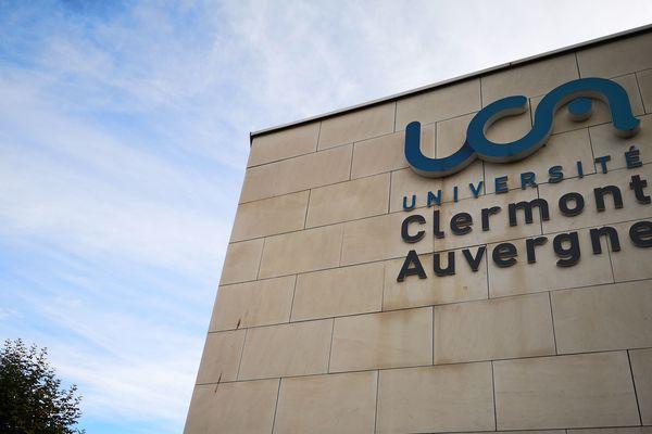 L'Université Clermont Auvergne va évaluer à distance les étudiants pour le second semestre.