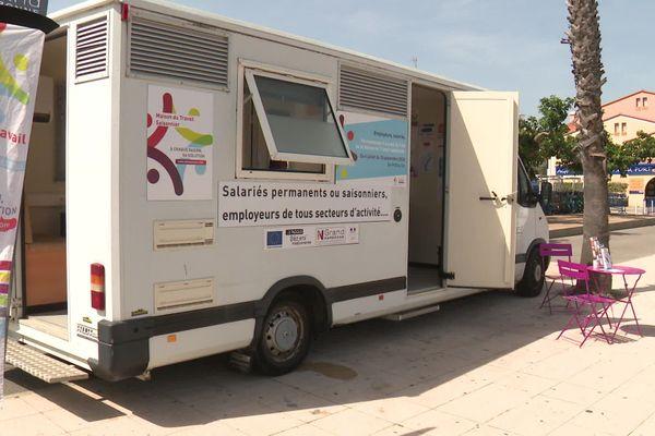 Port-Leucate (Aude) - une maison du travail saisonnier mobile pour trouver un emploi - juillet 2020.