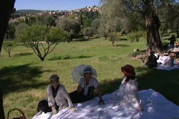 Le déjeuner sur l'herbe au domaine des Colettes à Cagnes-sur-Mer.