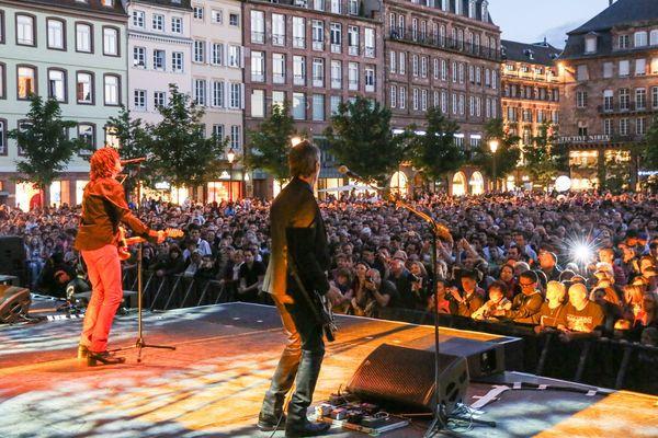 Cali en concert place Kléber à Strasbourg pour la fête de la musique - 21/06/13