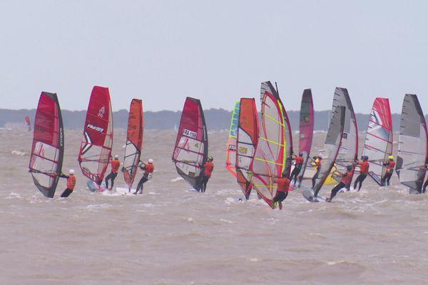 L'épreuve de windsurf ce dimanche au large de Fouras.